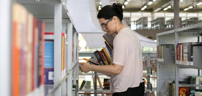 Os 6 livros mais emprestados da BVL no mês de outubro.