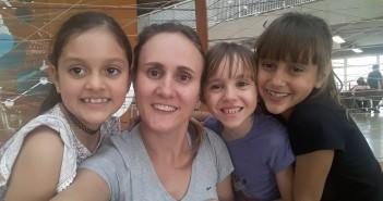Manoela, Sílvia, Melissa e Amanda. Foto: Equipe SP Leituras