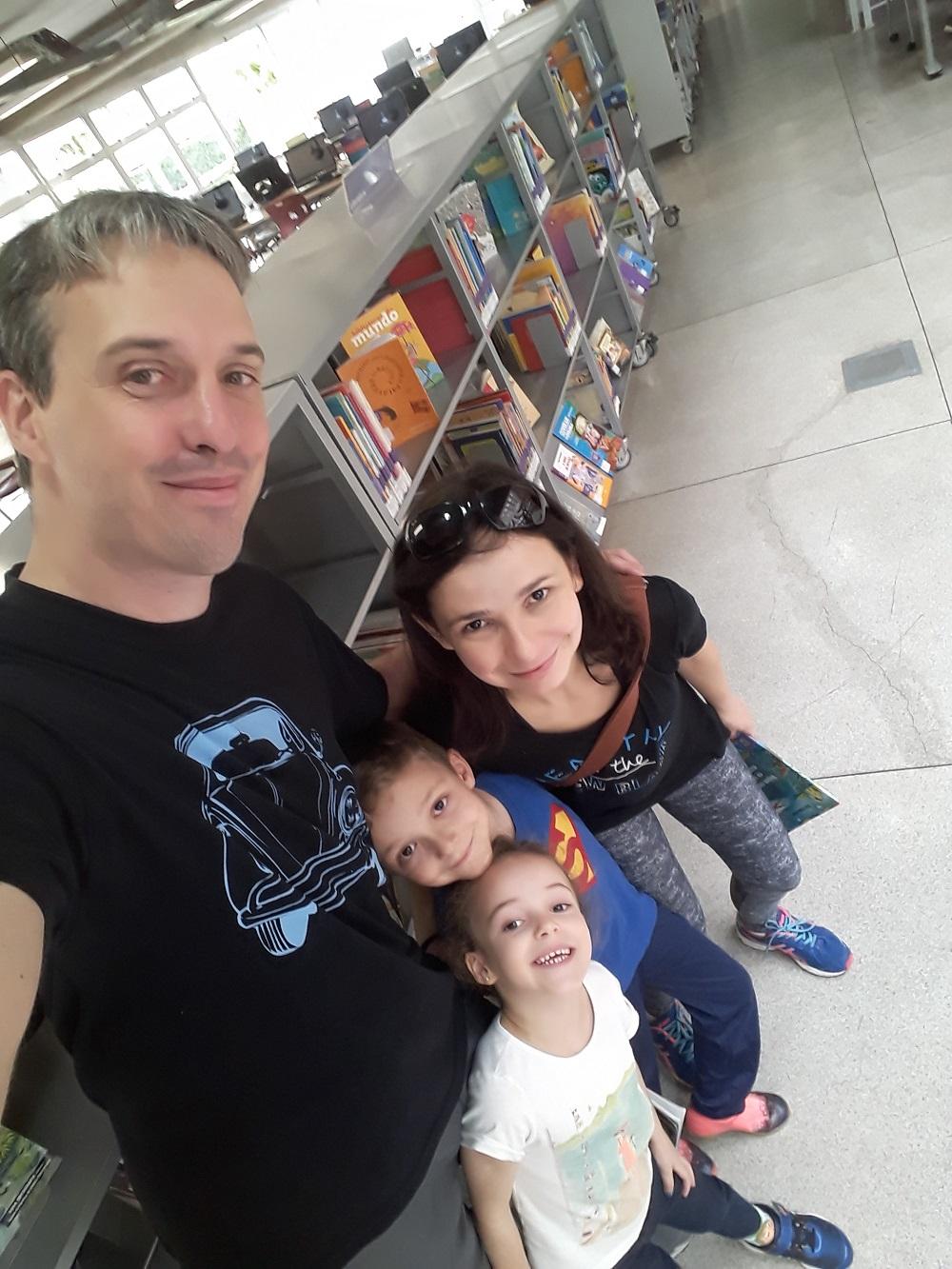 João Paulo e Sirley com os filhos Tiago e Melissa. Foto: Equipe SP Leituras.