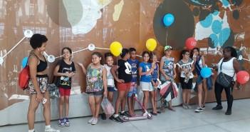 Vera e Raphaella vieram de Cotia (SP) com uma turma de crianças. Foto: Equipe SP Leituras.