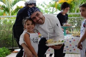 Luiza e o chef Andy Giacometti. Foto: Equipe SP Leituras.