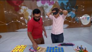 Renato Nonato, auxiliar de leitura da SP Leituras, e Carlos Tramontina, apresentador do Programa Antena Paulista / TV Globo / Reprodução