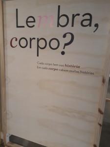 Exposição Lembra, corpo? fica até março na BVL. Foto: Equipe SP Leituras.