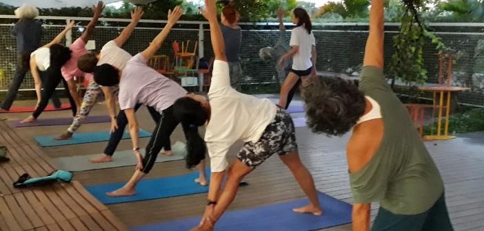 Yoga tem lugar especial na biblioteca