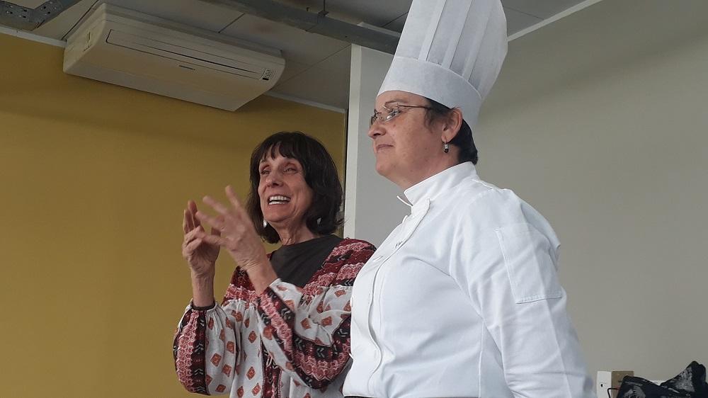A historiadora Dolores Freixa e a chef Solange Botura. Foto: Equipe SP Leituras.