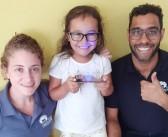 """Crianças criam luminária """"paulistana"""" em oficina"""