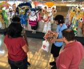 Leitura ao Pé do Ouvido leva carnaval literário para estação do Metrô