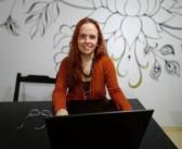 Professora Naiara Costa comanda Curso Online de Redação para o ENEM