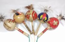 maraca-coite-indigena-instrumento-musical-rustico-indio-D_NQ_NP_866836-MLB27217904693_042018-F
