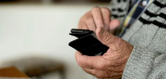 Que tem mais de 60 anos conta com curso online de smartphone cheio de dicas