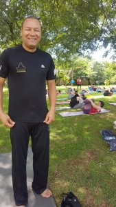 Ari Alves, professor de yoga.
