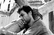 """Cena de """"O pagador de promessas"""", filme de Anselmo Duarte, de 1962. Foto: Reprodução/ Dynafilmes."""